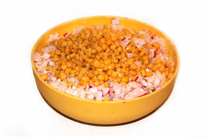 kak-prigotovit-salat-krabovye-polochki