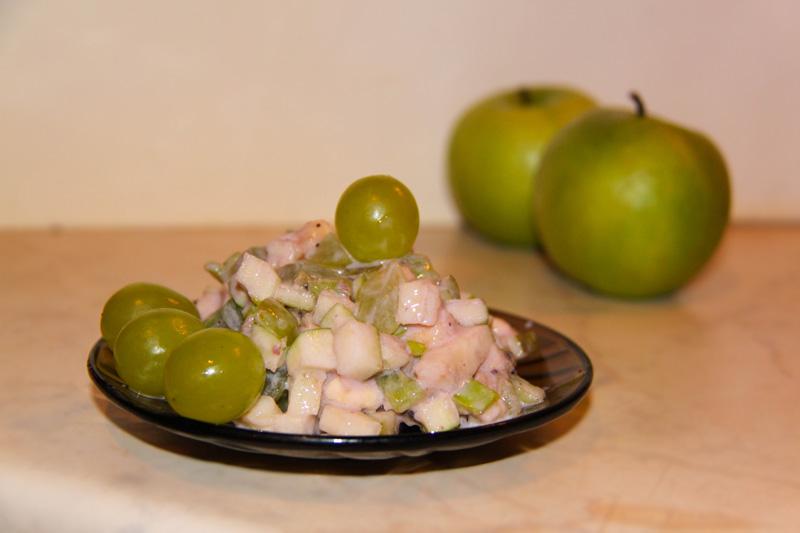 fruktovyj-salat-s-jogurtom-recept-s-foto
