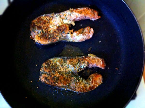 kak prigotovit bludo stejk iz krasnoy ryby recept