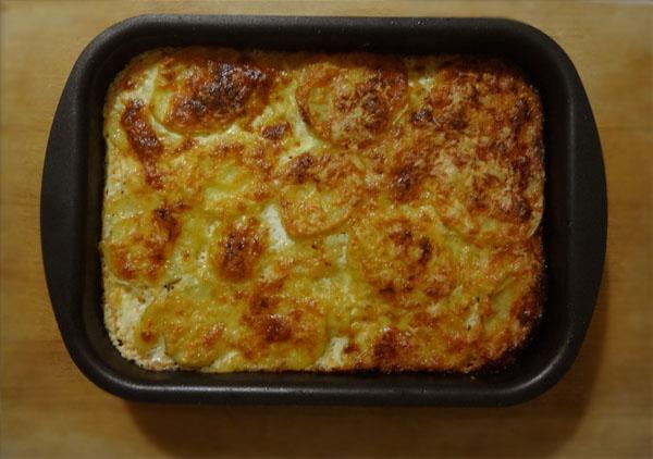 kak-sdelat-kartofel-graten-s-syrom-recept-s-foto