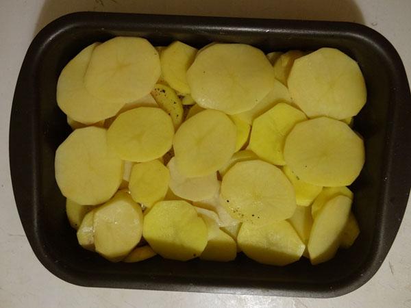 klassicheskiy-kartofelniy-graten-s-syrom