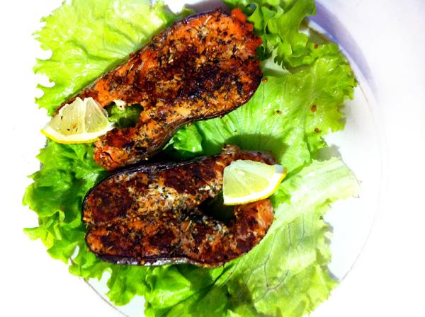 recept prigotovleniya stejkov iz krasnoy ryby s foto