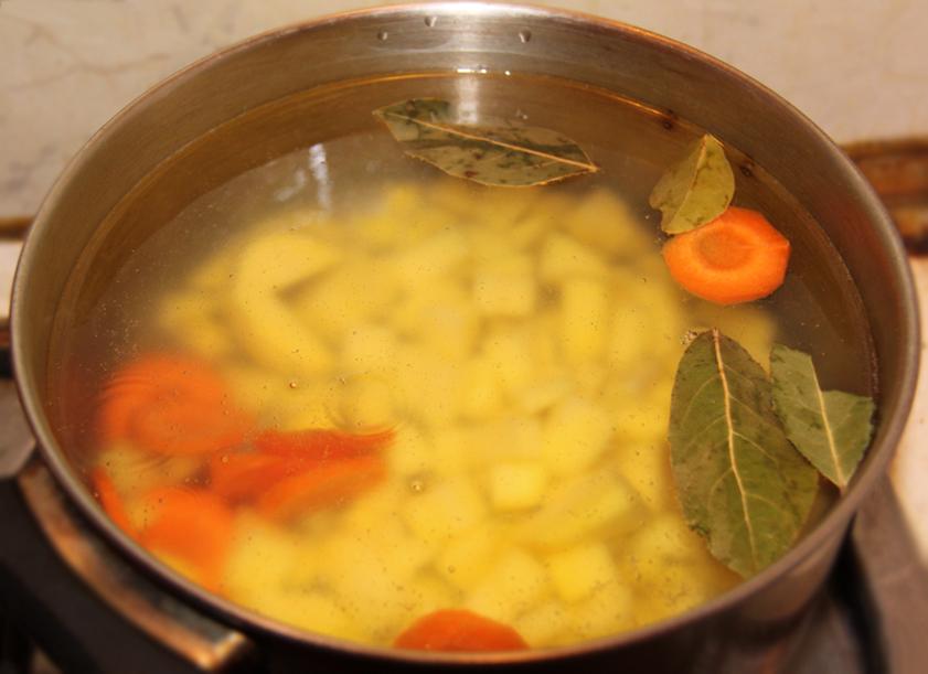 готовим по рецепту вегетарианские щи из свежей капусты с растительным маслом